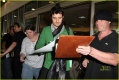 orlando-bloom-signs-autographs-lax-08.jpg